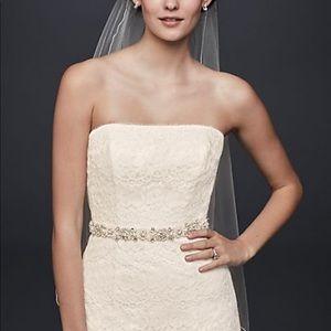 New/Unused/Unworn Wedding Dress $180
